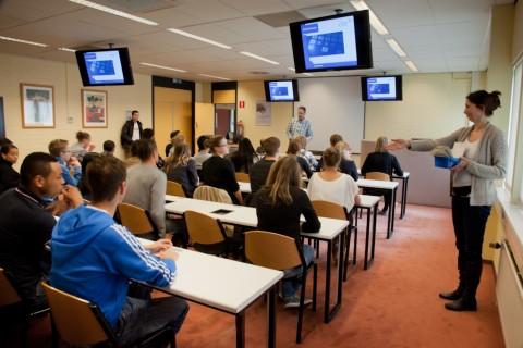 theorie examen rijschool Leiden